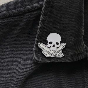 Accessories - 💀💎 Dark Crystal Skull Pin